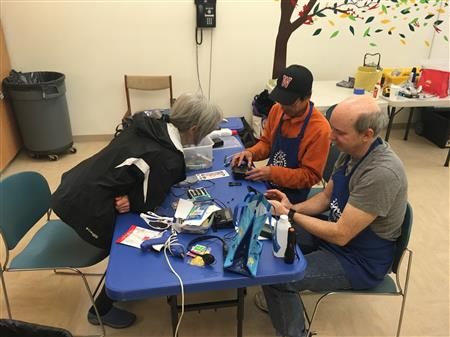 Repair Cafe at the Council on Aging